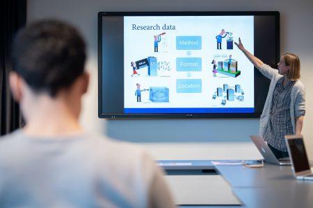 Delivering data management training at Leiden